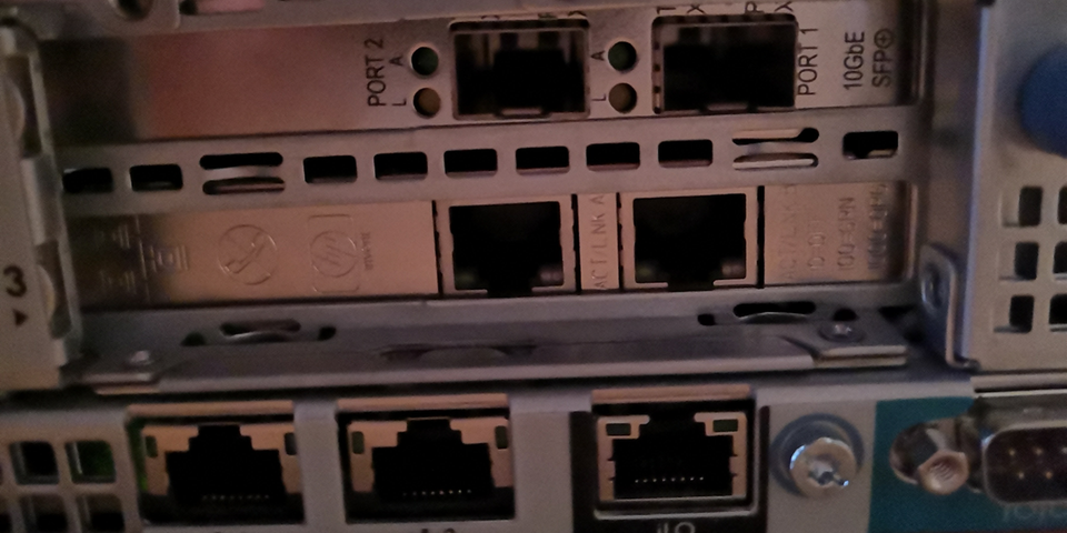 2x10G SFP+ NIC installed in server